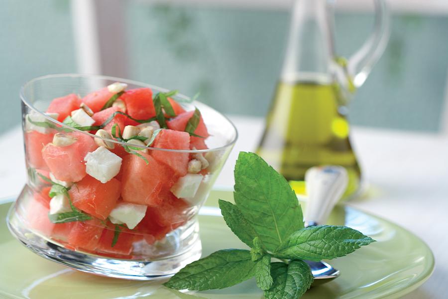 Salade de Pastèque et de Manouri à la Menthe Fraîche et aux Amandes Hachées, par Stelios Parliaros