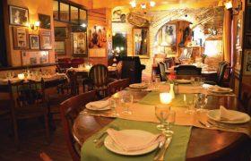 Top 3 des lieux musicaux et nostalgiques d'Athènes où se régaler les papilles