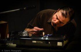 Christopher King : Un évangéliste pour la musique démotique grecque
